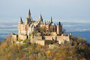 300px-Burg_Hohenzollern_ak.jpg